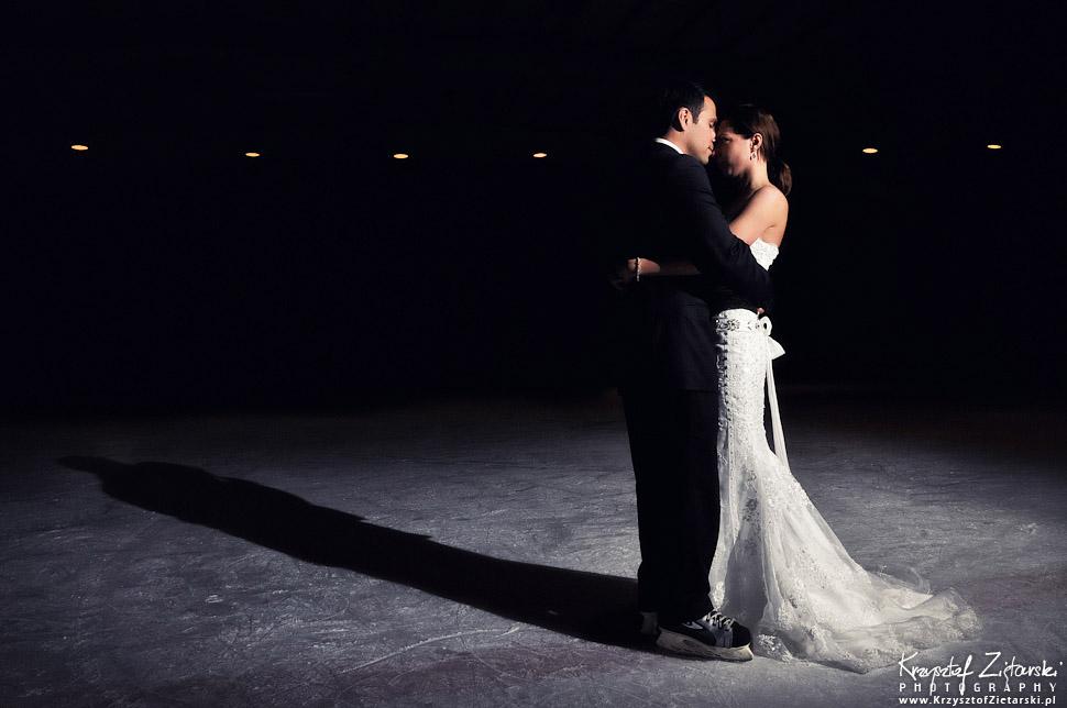 Eleganckie zdjęcia ślubne na lodowisku