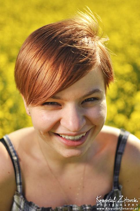 Zdjęcia portretowe w rzepaku - strobist
