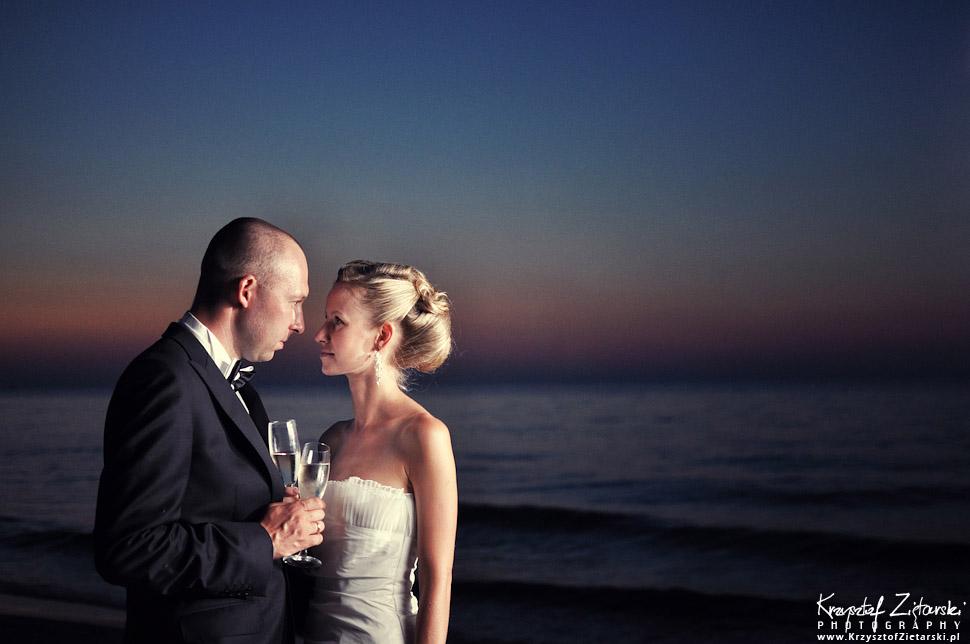 Plener ślubny nad morzem o zachodzie słońca - fotograficzna sesja ślubna - fotograf Gdańsk, Gdynia, Sopot