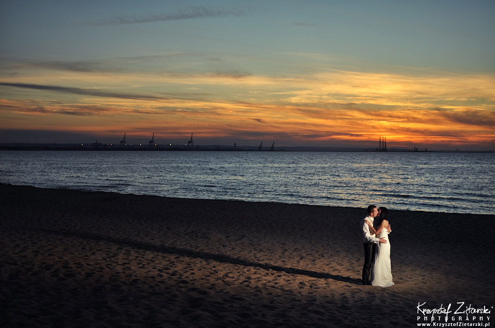 Plener ślubny nad morzem. Sesja ślubna nad morzem. Fotografia ślubna Gdańsk, Elbląg