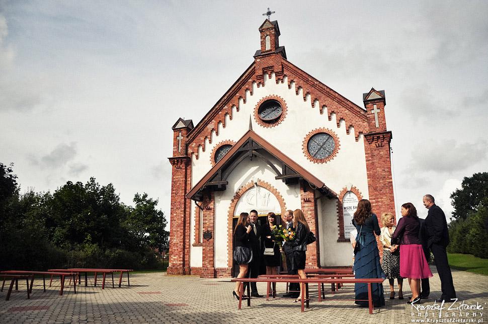 Fotografia ślubna Gdańsk, Sztutowo - plener ślubny nad morzem w pochmurną pogodę