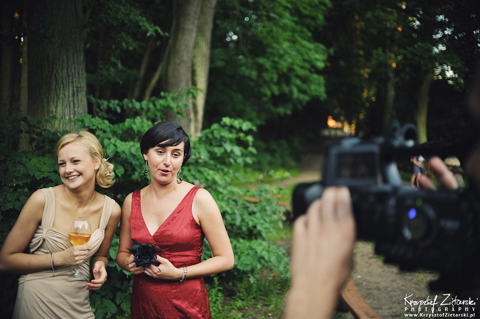 Fotografia ślubna Toruń - plener w CSW, w skansenie i na Starówce
