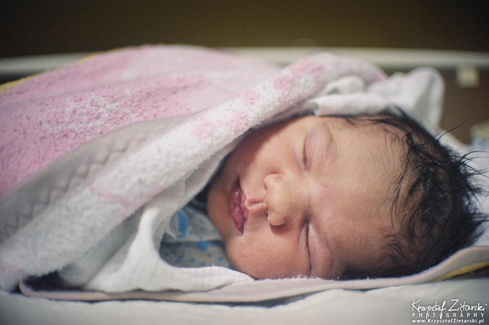 Zdjęcia noworodka zaraz po porodzie, zdjęcia z porodu