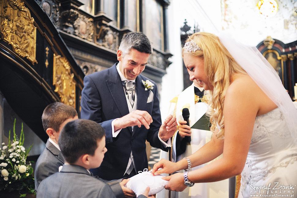 Ślub Marty i Dave'a - ślub polsko-angielski w Gdańsku, fotografia ślubna Gdańsk, Villa Eva - 27.
