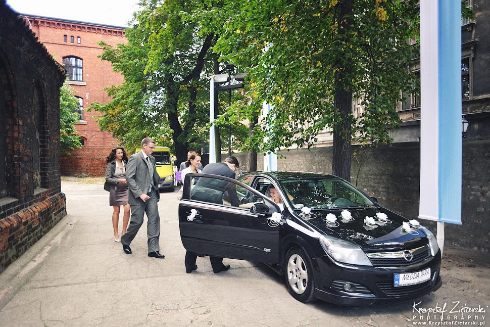 Ślub Kamili i Łukasza - fotografia ślubna Toruń, wesele Hotel 1231, Kościół św.Jakuba - 8.