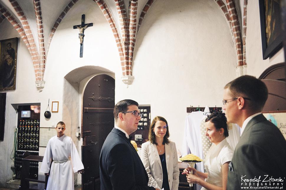 Ślub Kamili i Łukasza - fotografia ślubna Toruń, wesele Hotel 1231, Kościół św.Jakuba - 10.