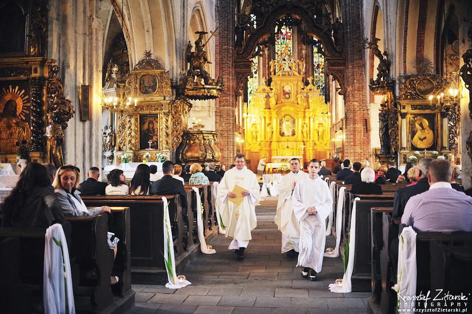 Ślub Kamili i Łukasza - fotografia ślubna Toruń, wesele Hotel 1231, Kościół św.Jakuba - 14.