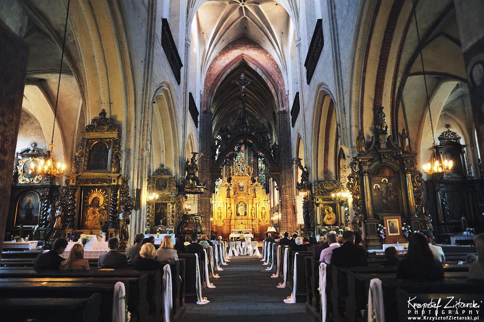 Ślub Kamili i Łukasza - fotografia ślubna Toruń, wesele Hotel 1231, Kościół św.Jakuba - 17.