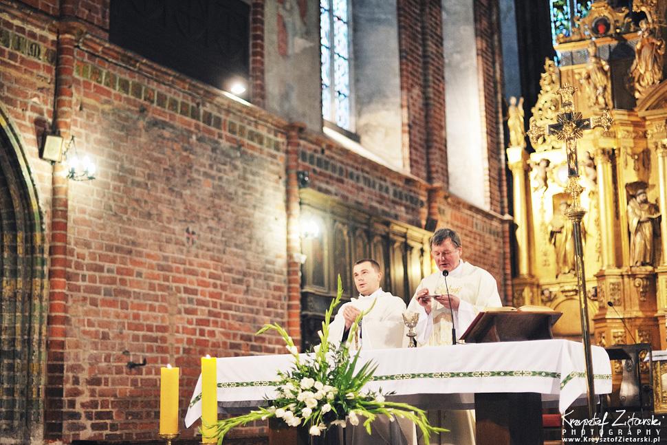 Ślub Kamili i Łukasza - fotografia ślubna Toruń, wesele Hotel 1231, Kościół św.Jakuba - 28.