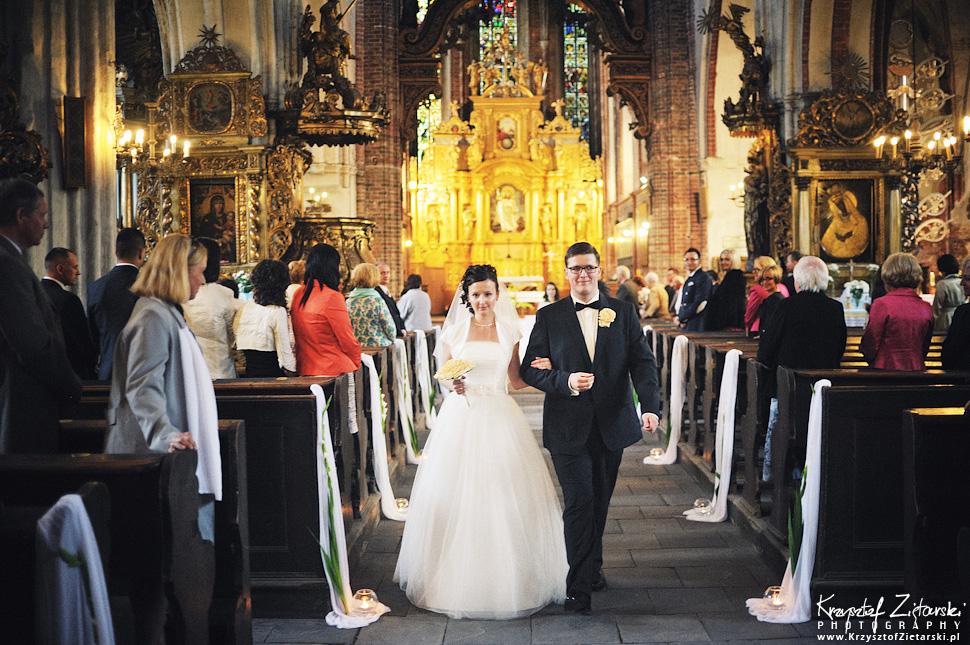 Ślub Kamili i Łukasza - fotografia ślubna Toruń, wesele Hotel 1231, Kościół św.Jakuba