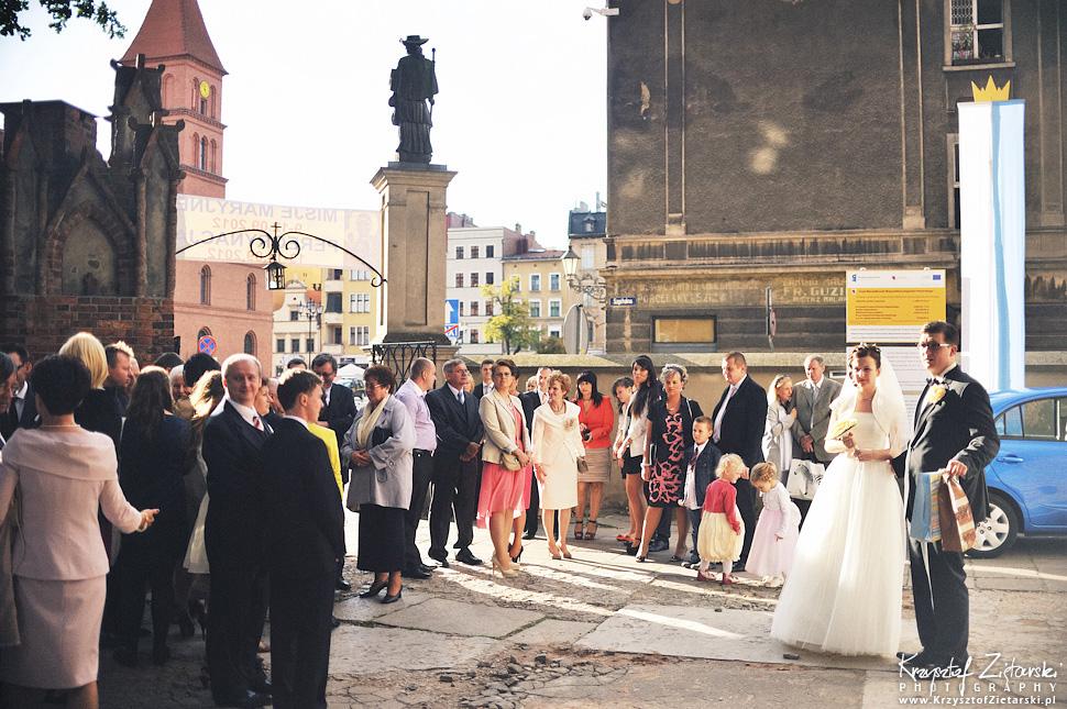 Ślub Kamili i Łukasza - fotografia ślubna Toruń, wesele Hotel 1231, Kościół św.Jakuba - 37.