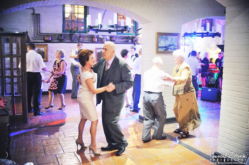 Ślub Kamili i Łukasza - fotografia ślubna Toruń, wesele Hotel 1231, Kościół św.Jakuba - 80.