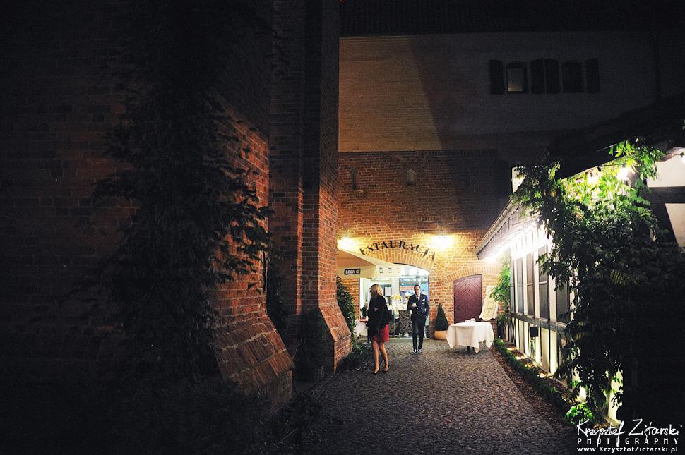 Ślub Kamili i Łukasza - fotografia ślubna Toruń, wesele Hotel 1231, Kościół św.Jakuba - 96.