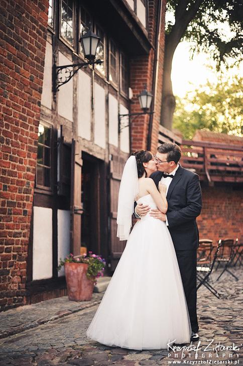 Ślub Kamili i Łukasza - fotografia ślubna Toruń, wesele Hotel 1231, Kościół św.Jakuba - 138.