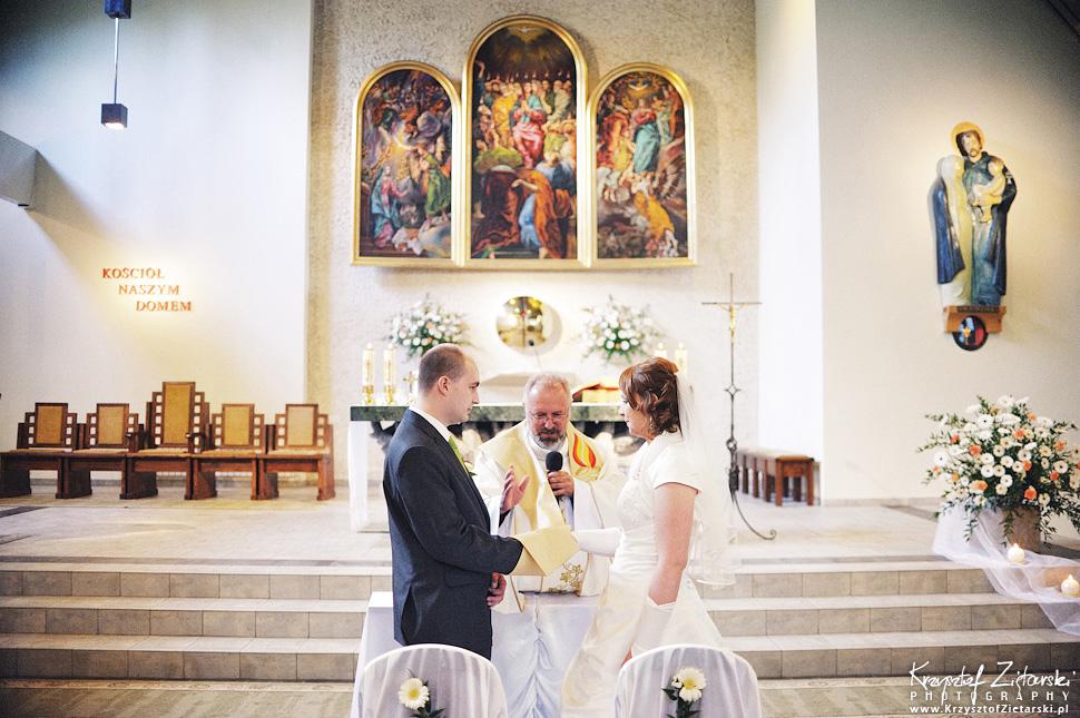 Ślub Doroty i Mateusza - fotografia ślubna Gdańsk, wesele Hotel Amber, ślub w Matemblewie - 27.
