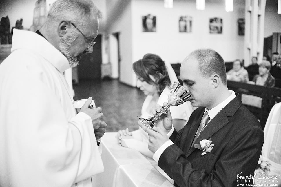 Ślub Doroty i Mateusza - fotografia ślubna Gdańsk, wesele Hotel Amber, ślub w Matemblewie - 37.
