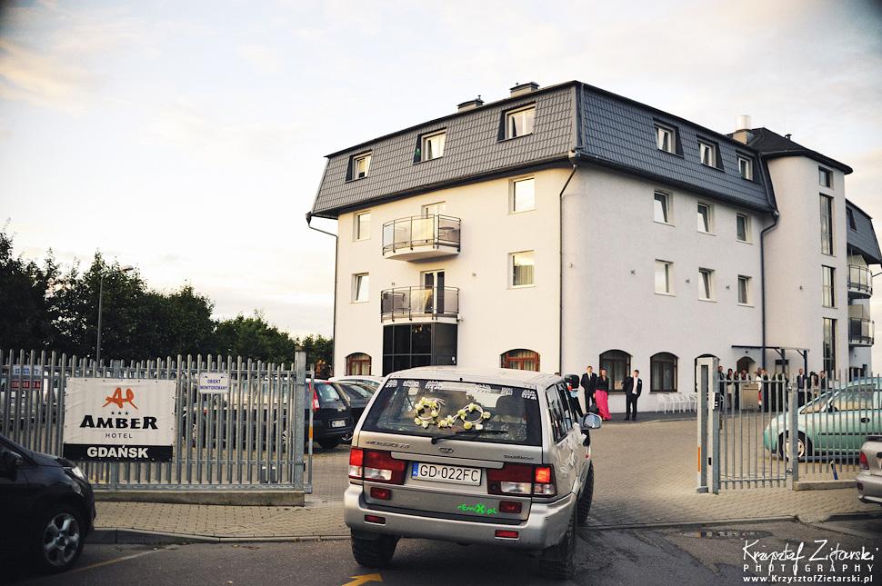 Ślub Doroty i Mateusza - fotografia ślubna Gdańsk, wesele Hotel Amber, ślub w Matemblewie - 53.