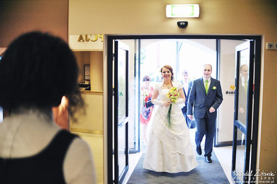 Ślub Doroty i Mateusza - fotografia ślubna Gdańsk, wesele Hotel Amber, ślub w Matemblewie - 54.