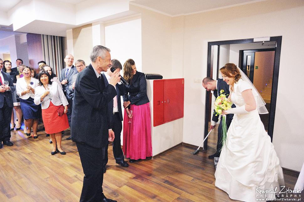 Ślub Doroty i Mateusza - fotografia ślubna Gdańsk, wesele Hotel Amber, ślub w Matemblewie - 59.