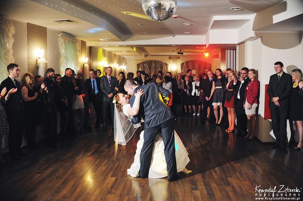 Ślub Doroty i Mateusza - fotografia ślubna Gdańsk, wesele Hotel Amber, ślub w Matemblewie - 68.