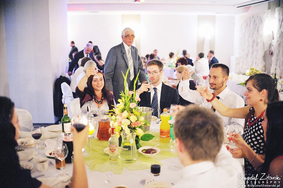 Ślub Doroty i Mateusza - fotografia ślubna Gdańsk, wesele Hotel Amber, ślub w Matemblewie - 78.