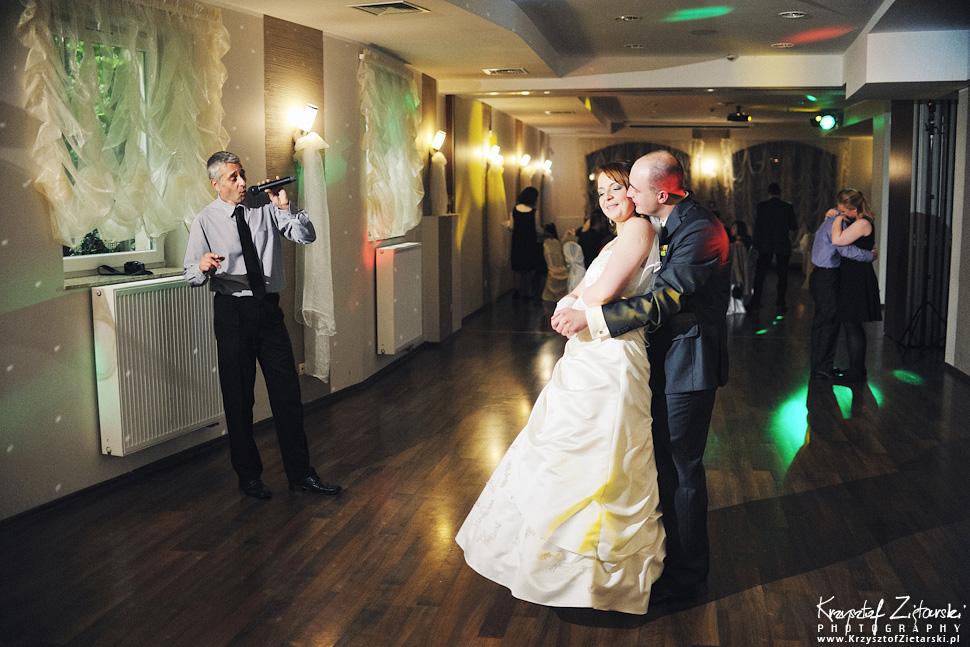 Ślub Doroty i Mateusza - fotografia ślubna Gdańsk, wesele Hotel Amber, ślub w Matemblewie - 79.