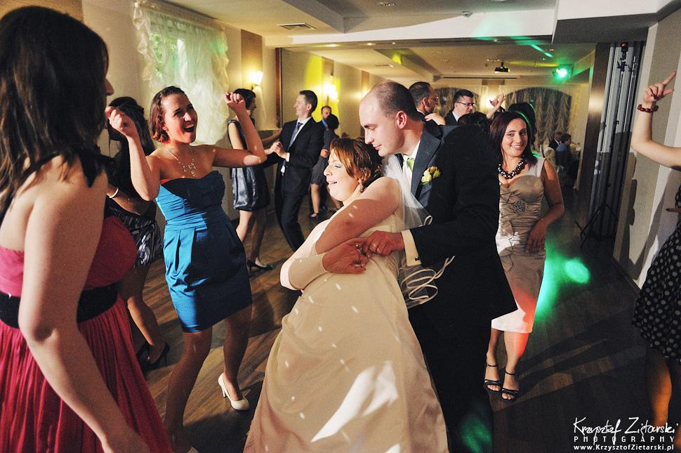 Ślub Doroty i Mateusza - fotografia ślubna Gdańsk, wesele Hotel Amber, ślub w Matemblewie - 81.