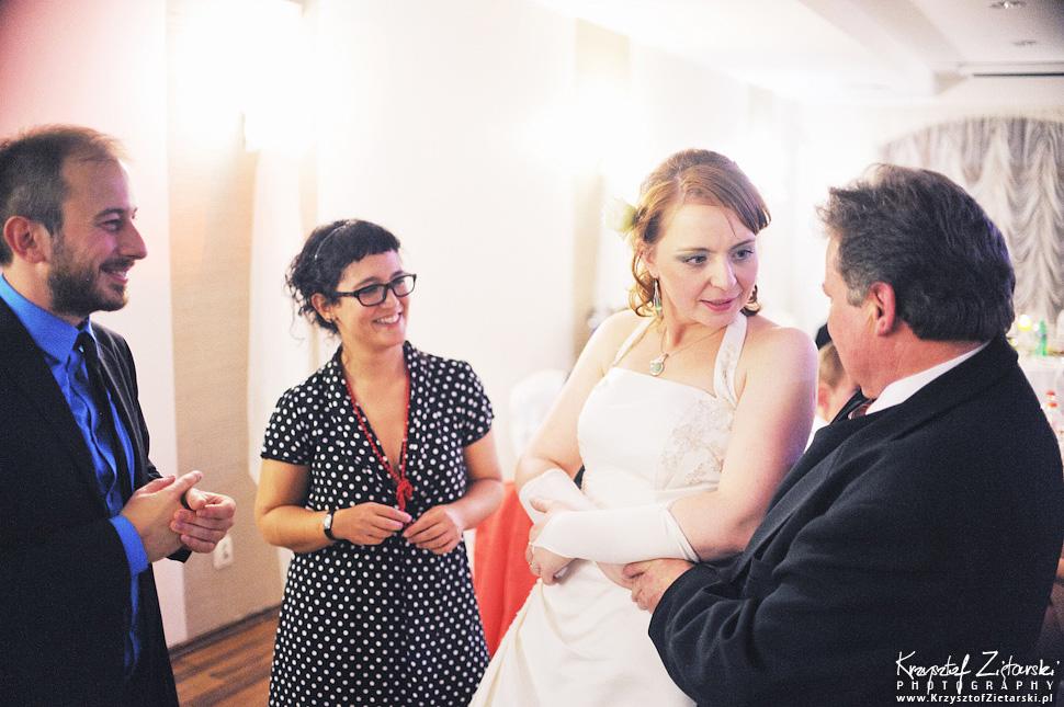 Ślub Doroty i Mateusza - fotografia ślubna Gdańsk, wesele Hotel Amber, ślub w Matemblewie - 86.
