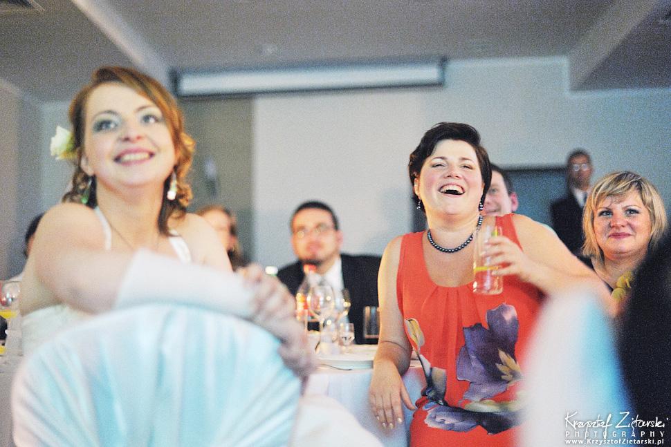 Ślub Doroty i Mateusza - fotografia ślubna Gdańsk, wesele Hotel Amber, ślub w Matemblewie - 93.
