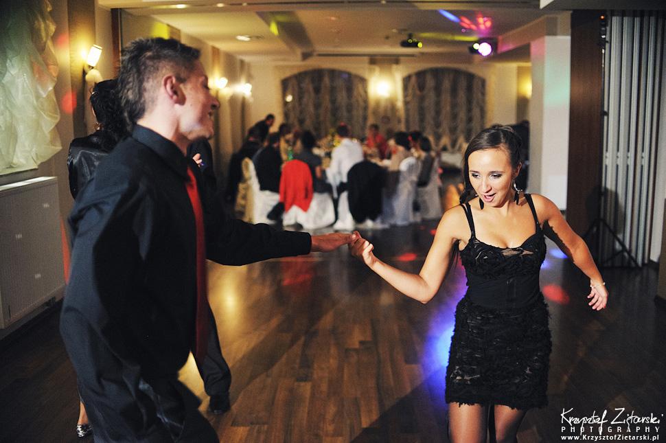 Ślub Doroty i Mateusza - fotografia ślubna Gdańsk, wesele Hotel Amber, ślub w Matemblewie - 102.