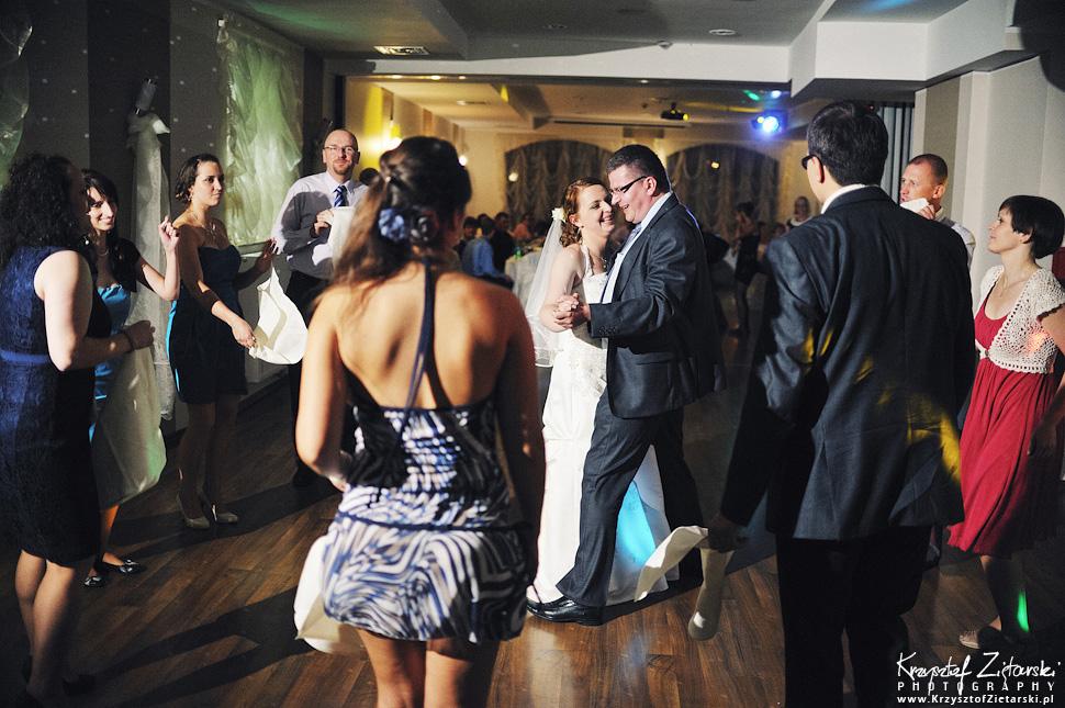 Ślub Doroty i Mateusza - fotografia ślubna Gdańsk, wesele Hotel Amber, ślub w Matemblewie - 115.