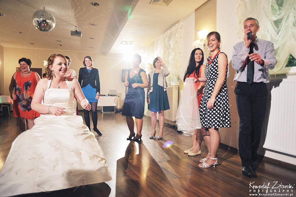 Ślub Doroty i Mateusza - fotografia ślubna Gdańsk, wesele Hotel Amber, ślub w Matemblewie - 124.