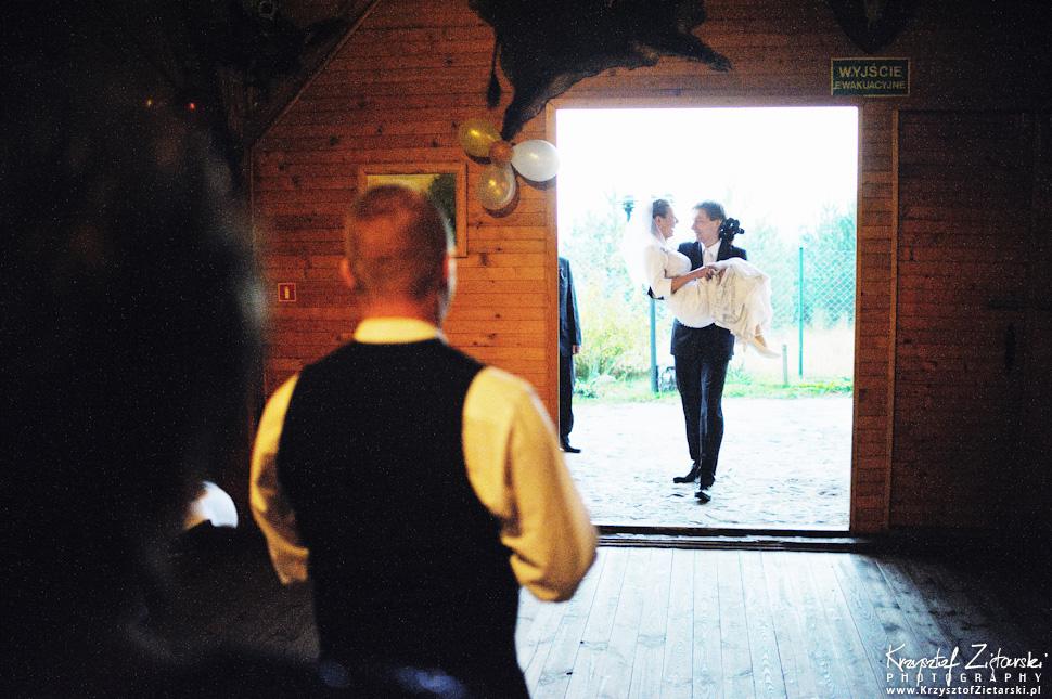 Ślub Oli i Romana - fotografia ślubna Gdańsk, wesele Chata Myśliwska Straszyn - 40.