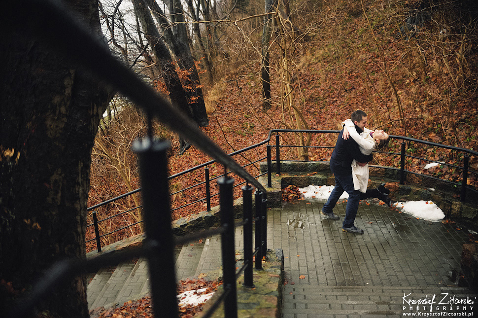 Sesja narzeczeńska Marty i Maćka w deszczu - Gdynia - 13.