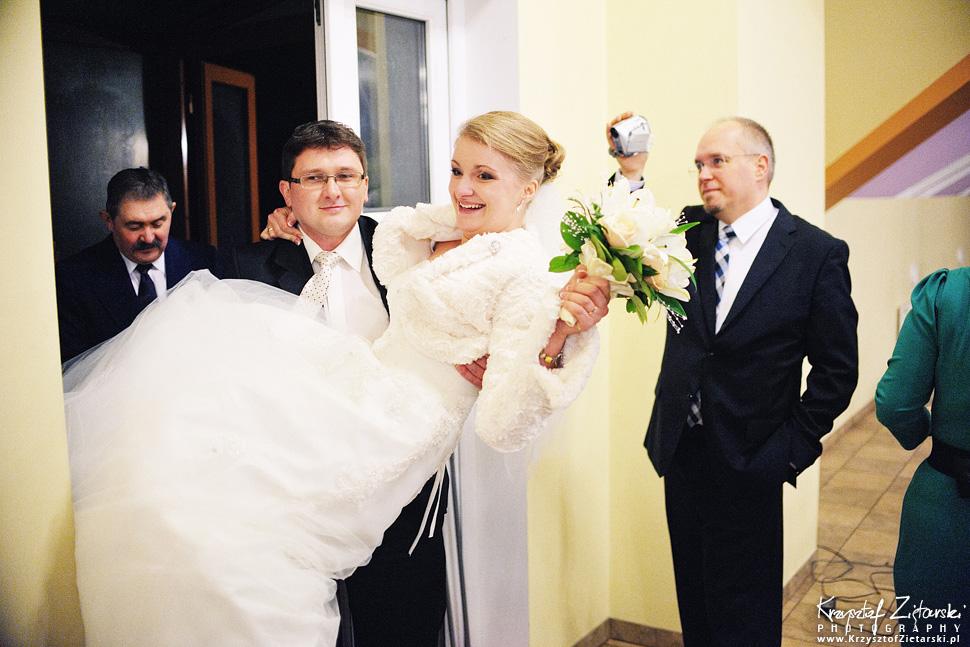 Ślub Kasi i Szymona - fotografia ślubna Gdańsk - wesele Pod Łabędziem, Kiełpino - 44.