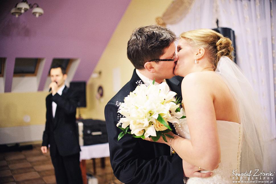 Ślub Kasi i Szymona - fotografia ślubna Gdańsk - wesele Pod Łabędziem, Kiełpino - 48.