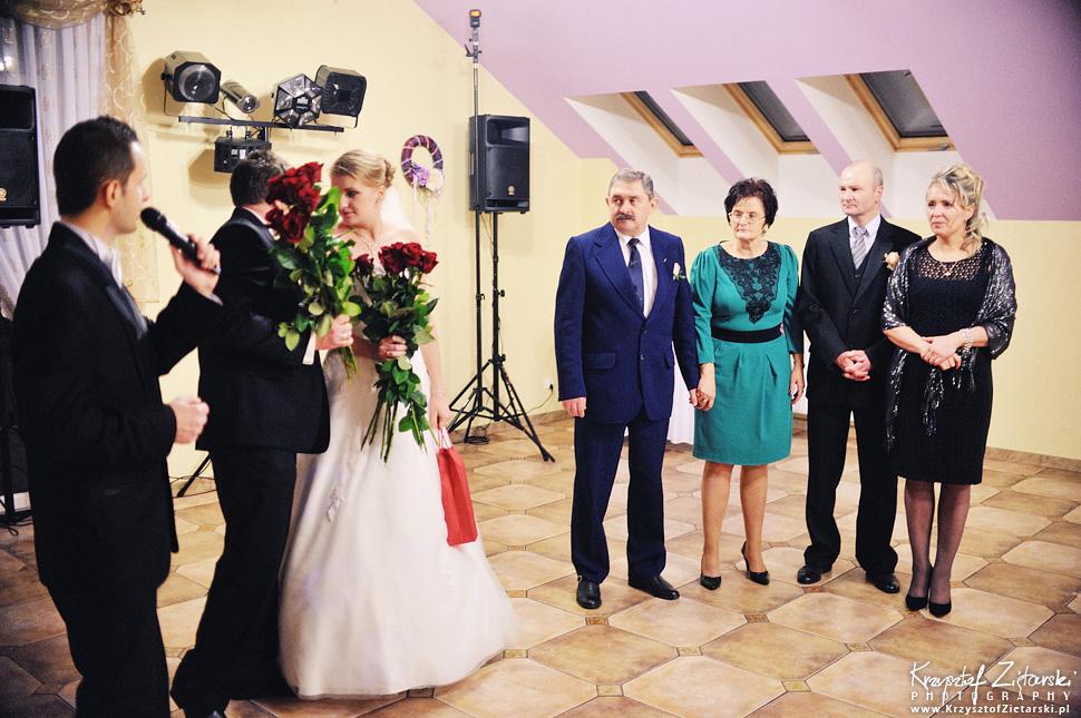 Ślub Kasi i Szymona - fotografia ślubna Gdańsk - wesele Pod Łabędziem, Kiełpino - 109.